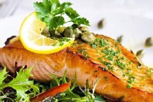 cách nấu cá hồi áp chảo